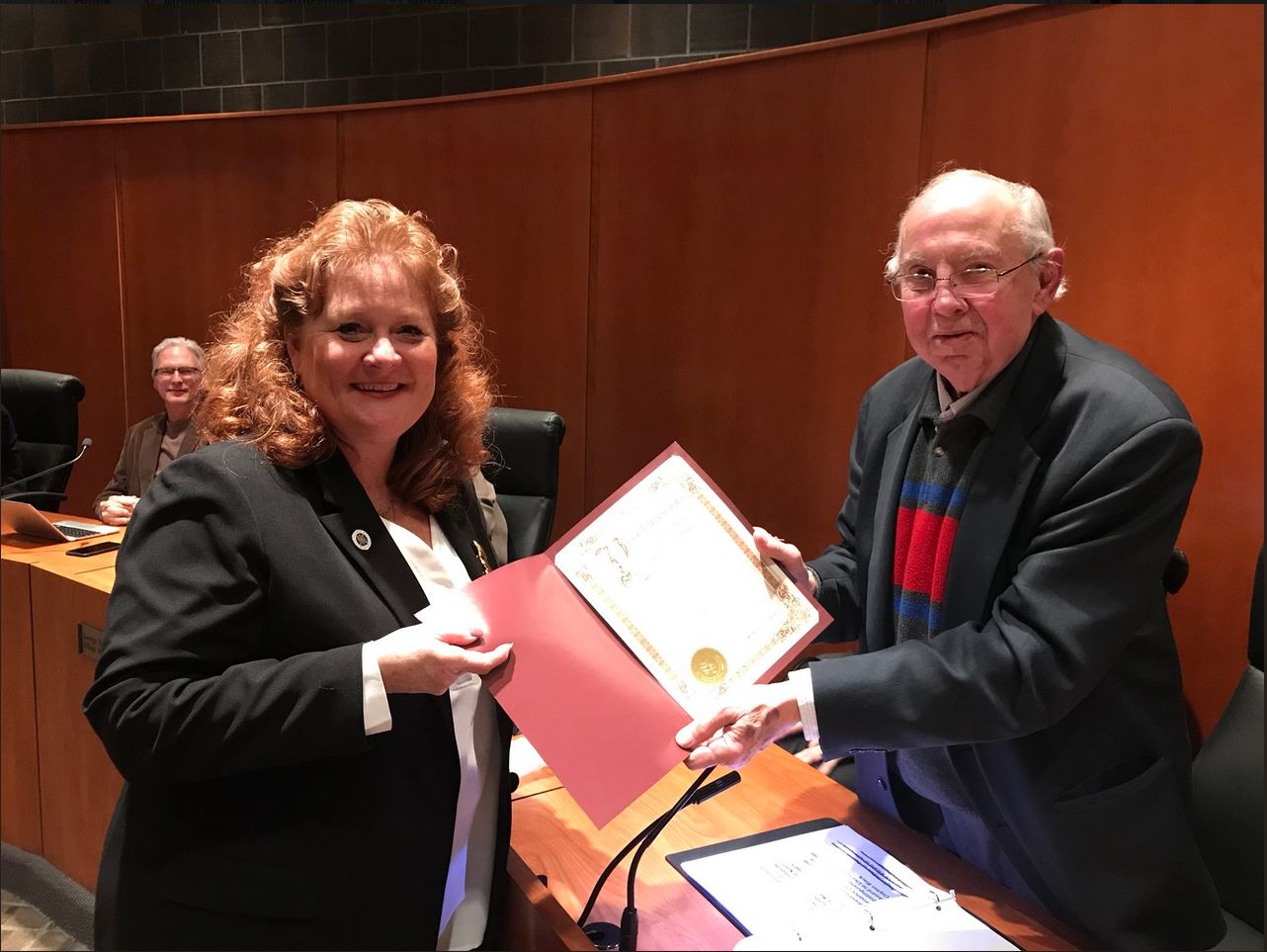 Murphy delivers a Senate recognition to the Village of Schaumburg